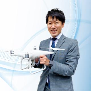木村 浩一(右から2番目) 43歳 神奈川県出身・統括本部 本部長